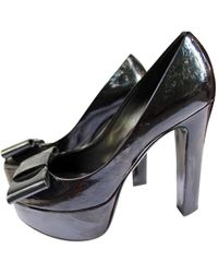 4b45bbe6451e Louis Vuitton - Pre-owned Black Patent Leather Heels - Lyst