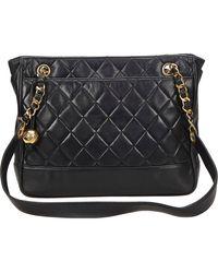 Chanel Bolsa de mano en cuero negro