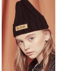 Blank - Wappen Beanie Bk - Lyst
