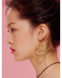 VIOLLINA - Sassy Girl Drawing Earring - Lyst