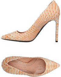 ebd1802e038cd7 Lyst - Damen Roland Mouret Schuhe ab 214 €