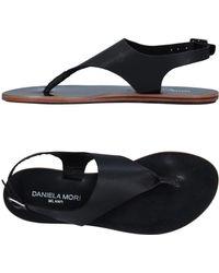 DANIELA MORI Milano - Toe Post Sandal - Lyst