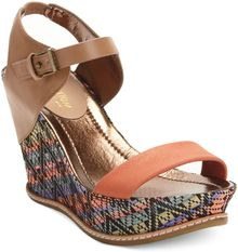 Kenneth Cole Reaction Hugeswell Platform Wedge Sandals - Lyst
