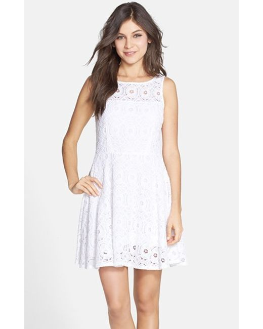 Bb dakota 39 renley 39 lace fit flare dress in white optic for Bb fit padova