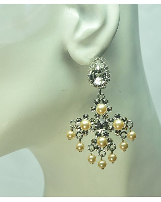 Otazu | Metallic Swarovski Crystal And Pearl Chandelier Earring | Lyst