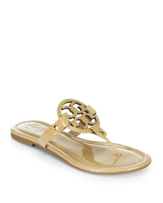 Tory Burch | Metallic Miller Patent Leather Logo Thong Sandals | Lyst