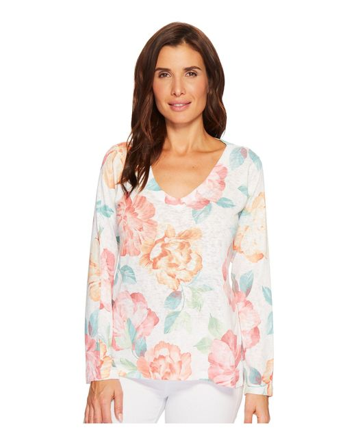Nally & Millie - Multicolor Big Floral Print V-neck Top - Lyst
