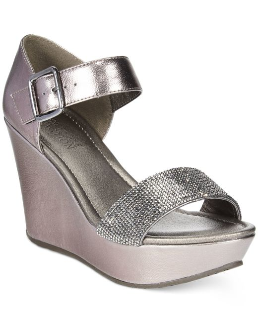 Kenneth Reaction Black Shoes With Silver Heel Women