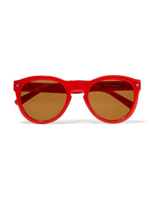 Red Frame Aviator Sunglasses | ISEFAC Alternance