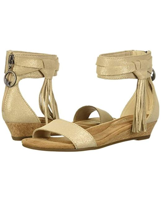 213ac70b91a Lyst - UGG W Saige Wedge Sandal - Save 13%