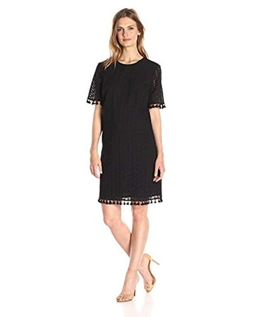 Lark & Ro - Black Short Sleeve Eyelet Tassel Shift Dress - Lyst