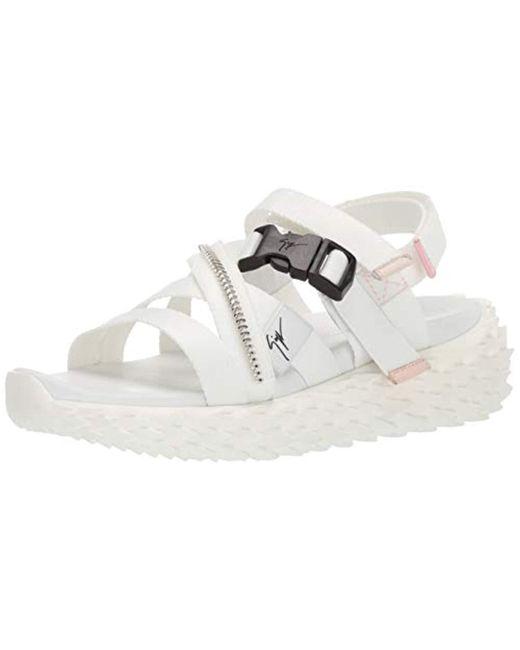 1f33f9fd94947 Women's Rs90068 Flat Sandal