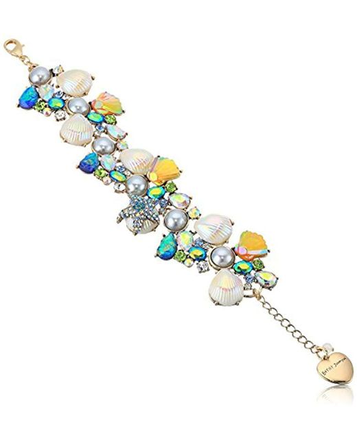 Betsey Johnson - Multicolor Crabby Couture Pearl And Stone Seashell Cluster Charm Bracelet, Multi, One Size - Lyst