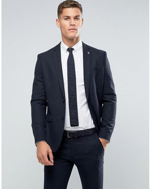 Men's navy blazer, white shirt, black skinny tie and black denim jeans. See more. Jeans and a blazer does not make this dressy casual. It makes an outfit that you can't wear to anything casual or anything dressy. Find this Pin and more on Jeans and a blazer by El Jefe AZp.