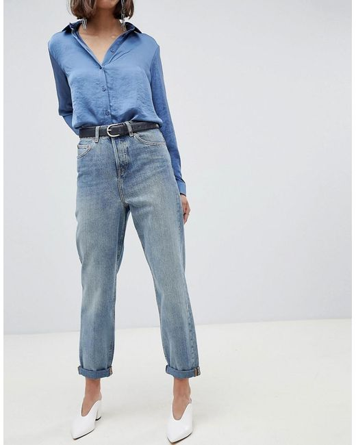 f75ed90e7f5 ASOS - Recycled Ritson Rigid Mom Jeans In Aged Light Stonewash Blue - Lyst  ...