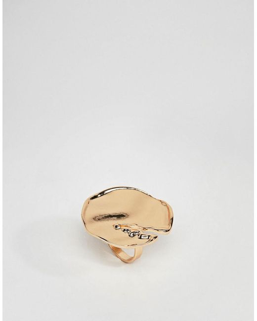 ASOS - Metallic Statement Ring With Abstract Hammered Detail In Gold - Lyst