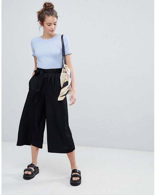 Monki - Tie Front Cropped Trousers In Black - Lyst