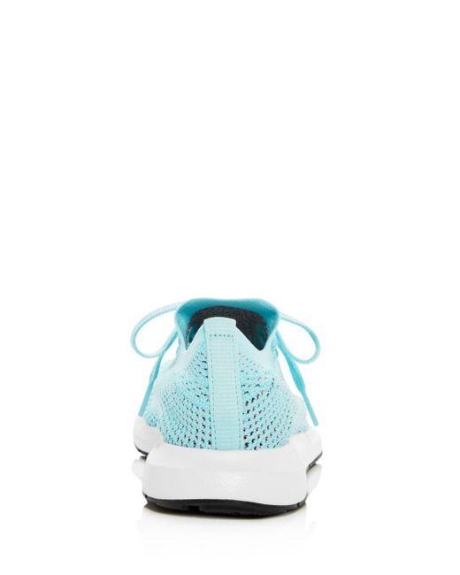 lyst adidas donne swift run primeknit allacciarsi le scarpe da ginnastica in blu