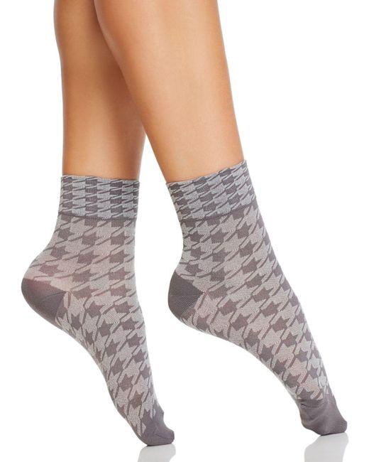 Hue - Gray Ultrasmooth Houndstooth Shortie Socks - Lyst