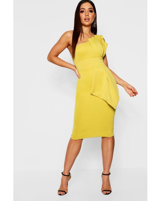 ae669595eb2a Boohoo - Yellow One Shoulder Pleated Detail Midi Dress - Lyst ...