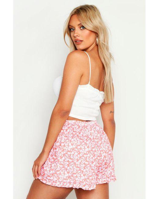 7d8b9ebe05fd ... Boohoo - Black Plus Floral Frill Flippy Shorts - Lyst