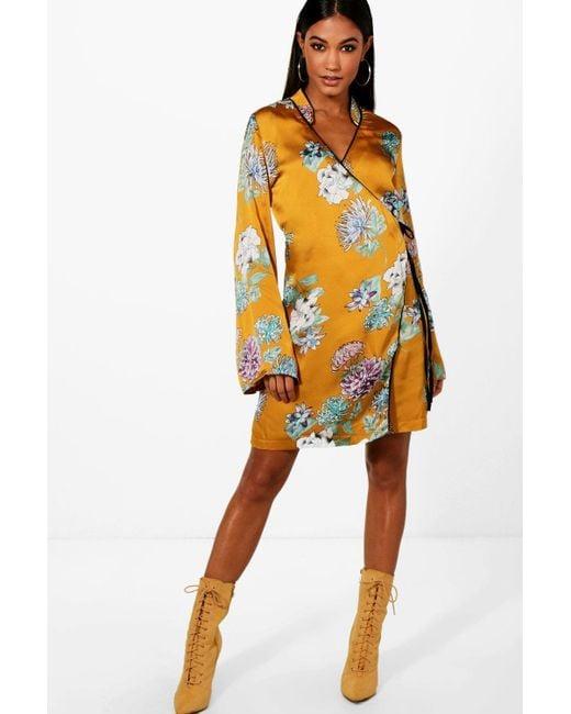 Boohoo - Multicolor Megan Premium Oriental Floral Wrap Kimono Dress - Lyst