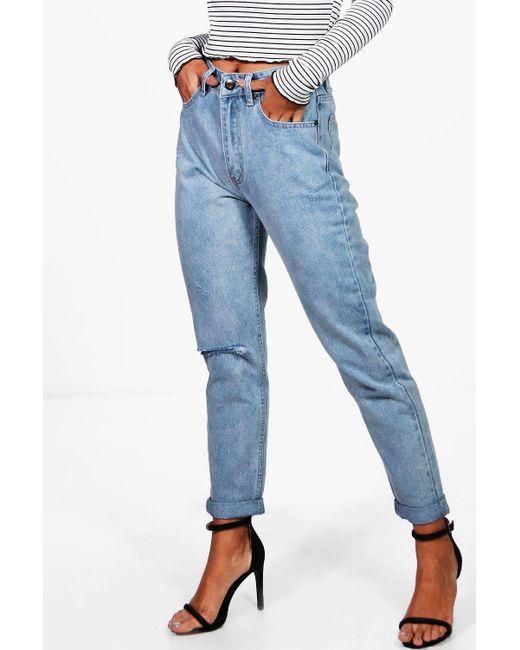 d3a2c184e4e Boohoo - Blue Light Wash Rip High Waist Mom Jeans - Lyst ...