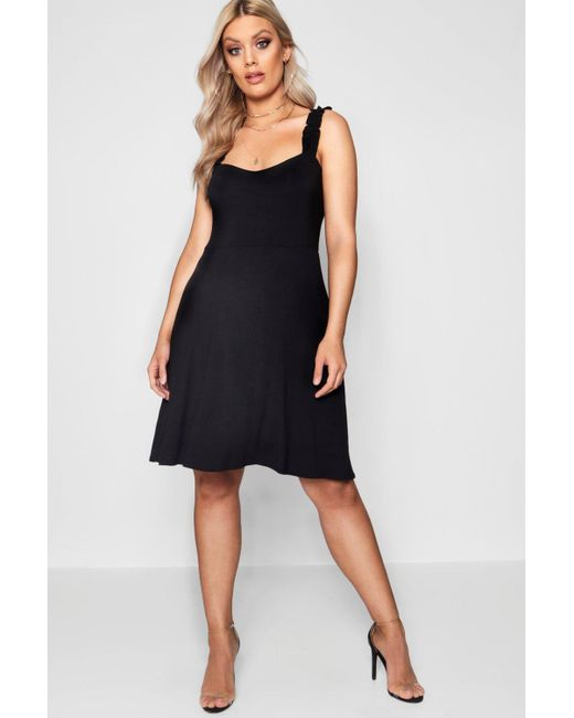 Looking For Sale Online Outlet Store Locations Boohoo Plus Crepe Square Neck Skater Dress Discount Looking For Online For Sale Newest For Sale 7iNCJkNhgl