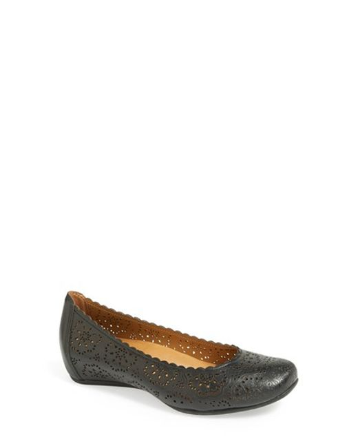 Earthies | Black Earthies 'bindi' Flat | Lyst