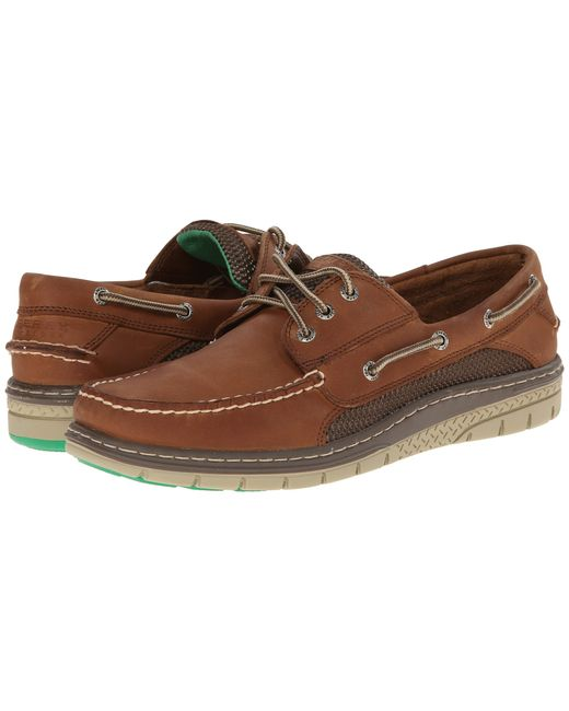 Men's Billfish 3-Eye Boat Shoe Sure footing on deck requires a shoe with great traction for a firm, sturdy grip. The Sperry men's Billfish shoe comes fully equipped with Wave-Siping on the rubber outsole to provide stability on wet and dry surfaces.