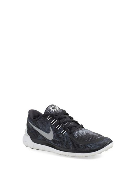 ecb2680a543f Nike Free 5.0 Solstice Running Sneakers in Silver for Men (BLACK  SILVER)