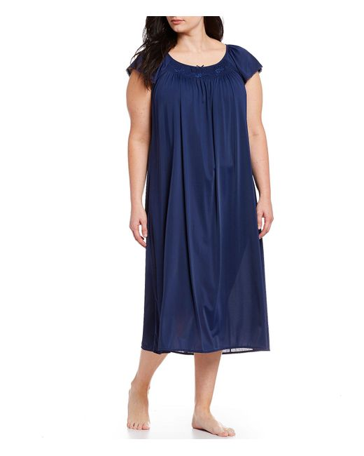 Miss Elaine Blue Plus Embroidered Flutter-sleeve Nightgown
