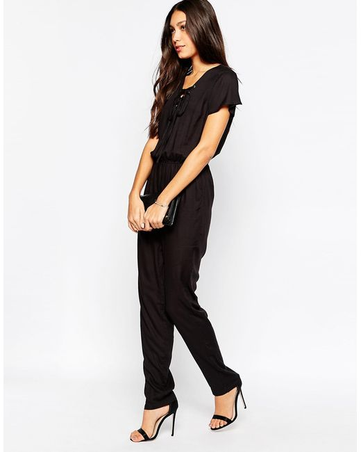 vero moda jumpsuit in black save 65 lyst. Black Bedroom Furniture Sets. Home Design Ideas