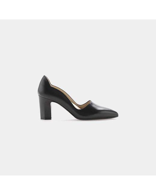 Joan Oloff - Black Adele Leather Scalloped Pump - Lyst