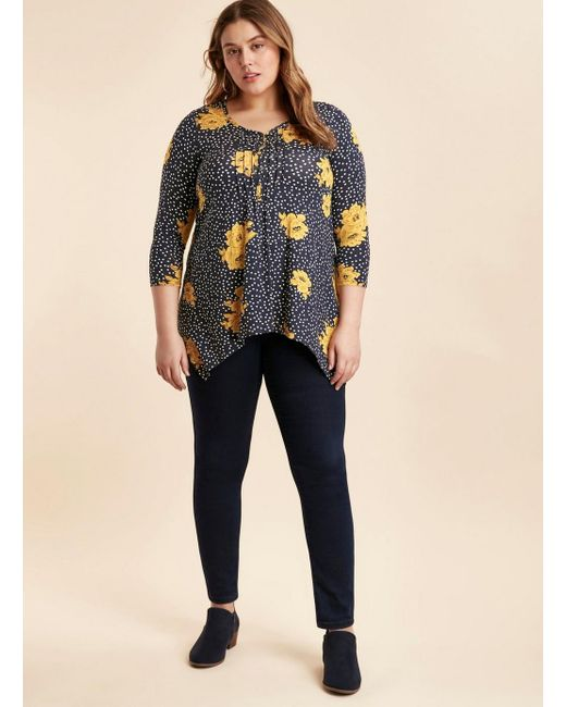 bcc1bef3f5 ... Evans - Blue Navy Floral Pin Tuck Detail Top - Lyst ...