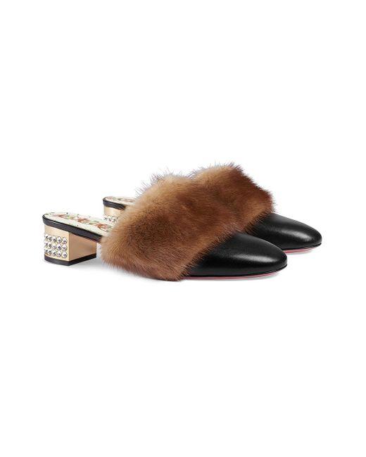 e9db23684 ... Gucci - Black Sandalias con detalle de pelo visón - Lyst ...