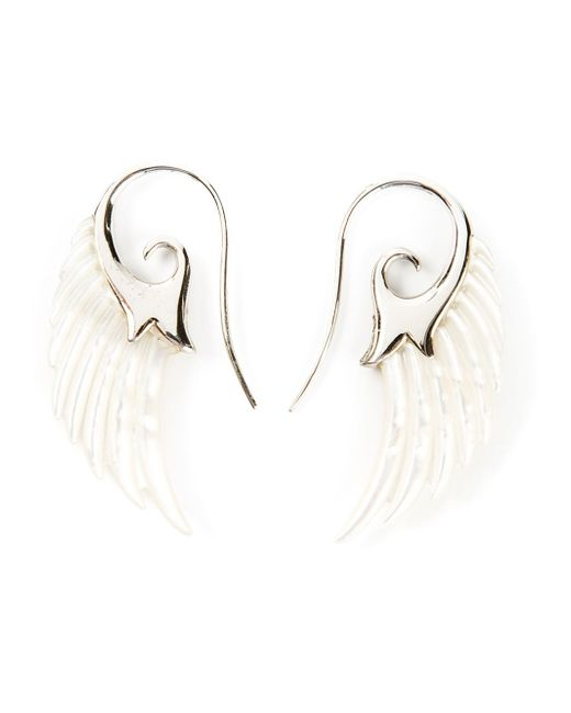 Noor Fares | White 18kt Yellow Gold And Pearl Asymmetric 'wing' Earrings | Lyst