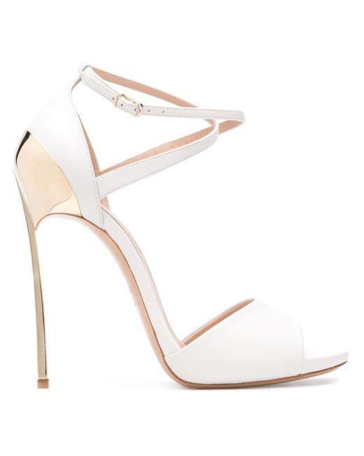 Casadei - White Sandalen Met Goudkleurig Detail - Lyst