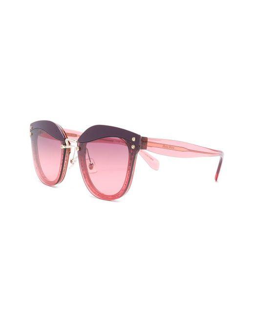 ... Miu Miu - Red Gafas de sol con montura cat eye y purpurina - Lyst ... 81b839d5d0