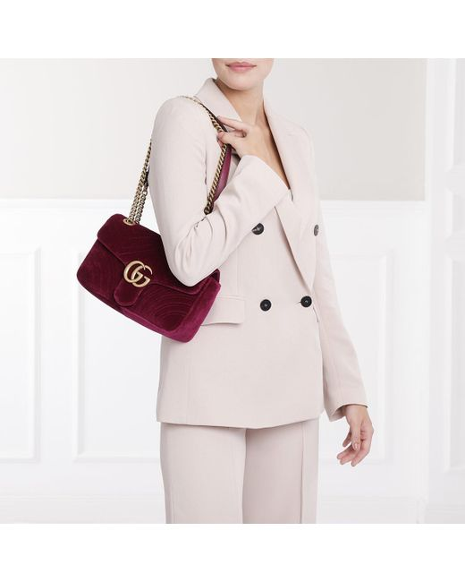 ef0d239ea9f9 Gucci GG Marmont Shoulder Bag Velvet Fuchsia in Purple - Save 4% - Lyst