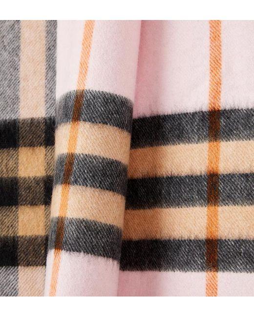 ... Burberry - Multicolor Echarpe femme classique en cachemire à motif  check - Lyst ... 5cf89c57f47