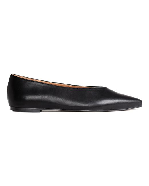 h m pointed flat shoes in black save 60 lyst