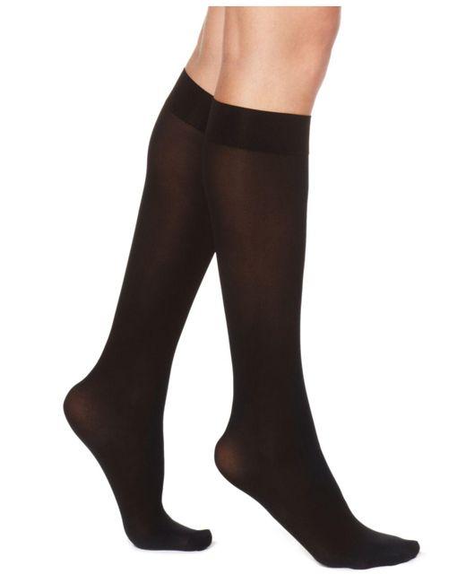 Hue - Gray Flat Knit Knee Socks - Lyst