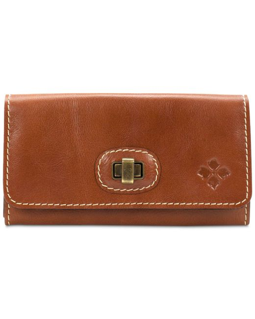 Patricia Nash | Brown Maria Twist Wallet | Lyst