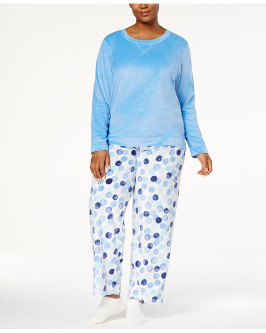 Hue | Blue Plus Size Sueded Fleece Top & Printed Pants With Socks Pajama Set | Lyst