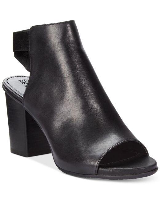 Kenneth Cole Reaction | Black Frida Fly Dress Sandals | Lyst