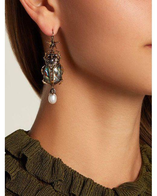 Alexander McQueen Abalon scarab shell and faux-pearl drop earrings w1oks8