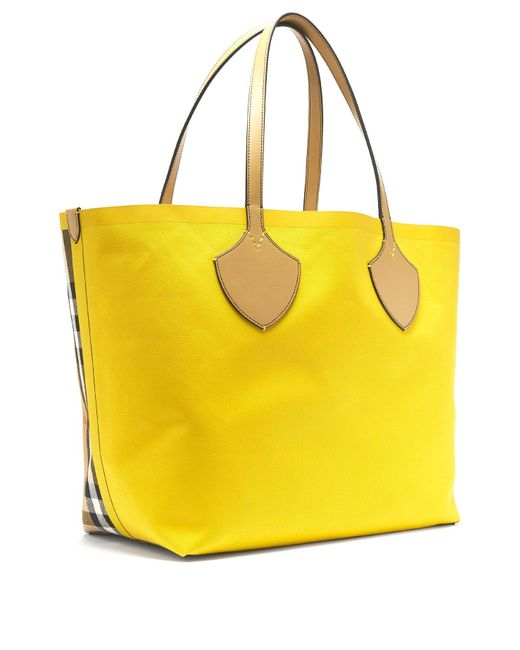 08b813f88526 ... Burberry - Yellow The Giant Reversible Cotton Tote - Lyst ...