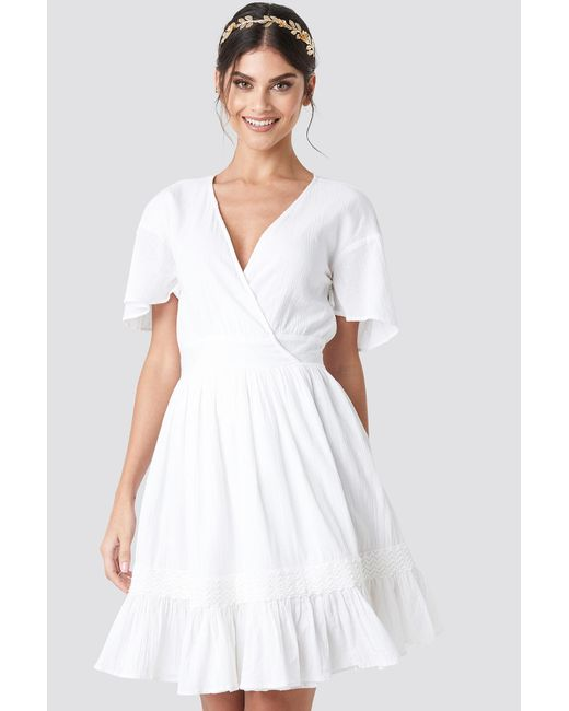 White Mini Dress Flowy In Lyst Overlap Na Kd O8nNP0ZwkX