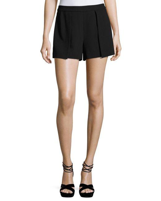 Alice + Olivia | Black Larissa Single-pleat Shorts | Lyst